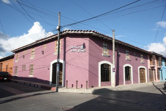 Hotel San Jose: Fachada