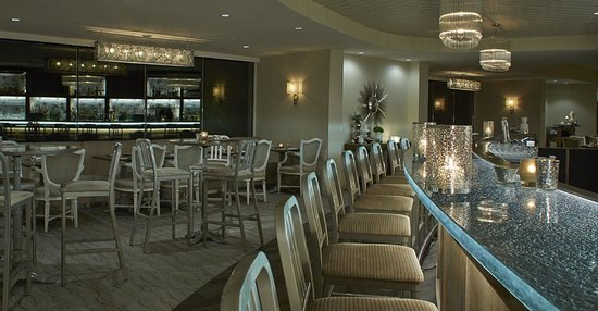 Erie Grill: Bar and Dining Room