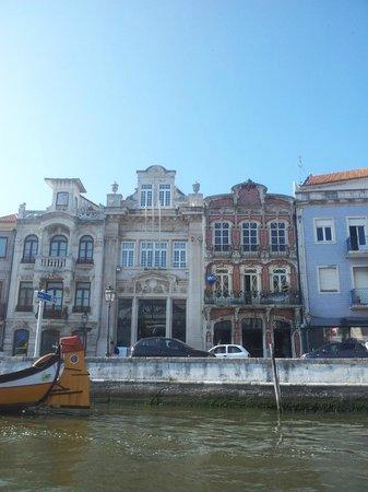 Pensao Brasileira: Art deco buildings near hotel