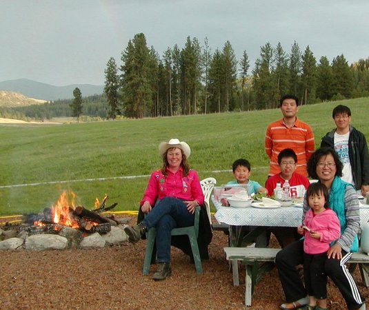 Oroville, WA: Campfire & Picnic Area for Families with a View!