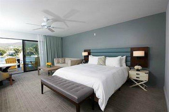 Lakehouse Hotel & Resort: Lakeside Lounge