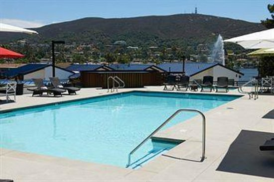 Lakehouse Hotel & Resort: Upper pool deck
