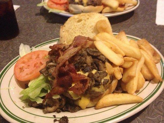 Jackson Hole - Second Ave. : super burger