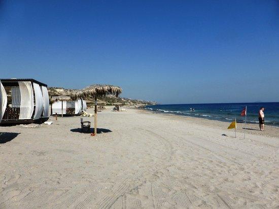 Blue Lagoon Village: beach