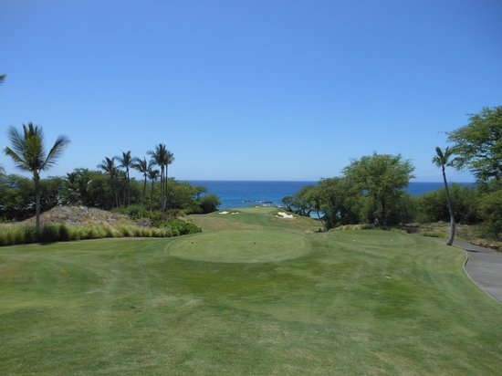 Mauna Kea Resort Golf Course : 11th Hole - Mauna Kea