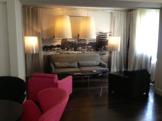 HOTEL LE CANBERRA : le salon