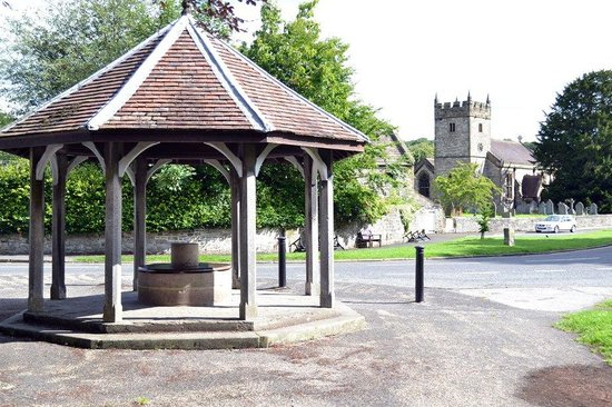 Chy an Dour: Ashford-in-the-Water