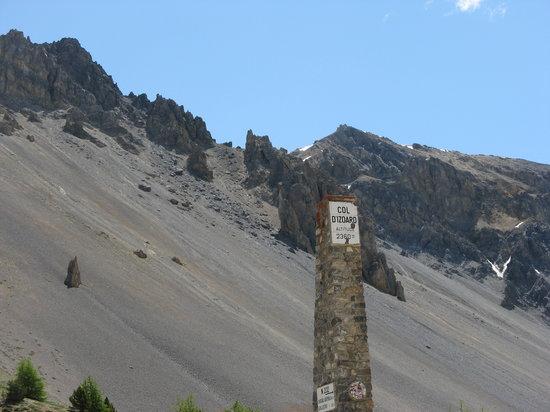 Col d'Izoard : paysage lunaire......