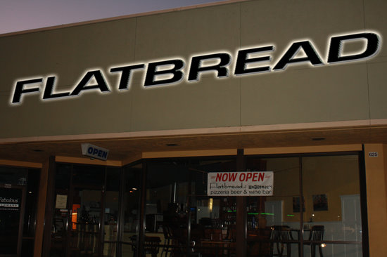 Flatbread of Englewood: Located in Palm Plaza.