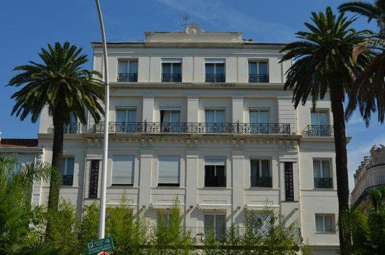 HOTEL LE CANBERRA : la façade principale de l'hôtel