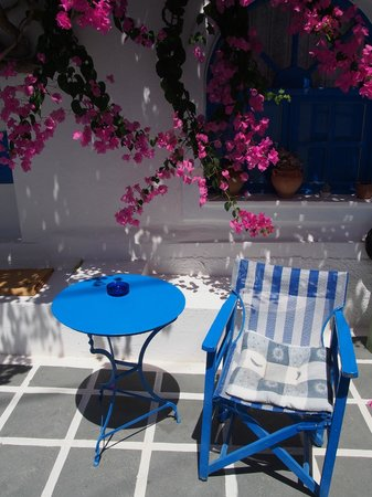 Annio Furnished Apartments: .