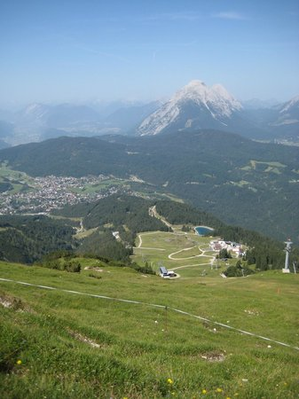 Pension Krinserhof: View of Seefeld from the top of the nearby Rosshutte