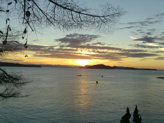 Discovery Sea Kayaks : Sunset second night, Jones Island State Park