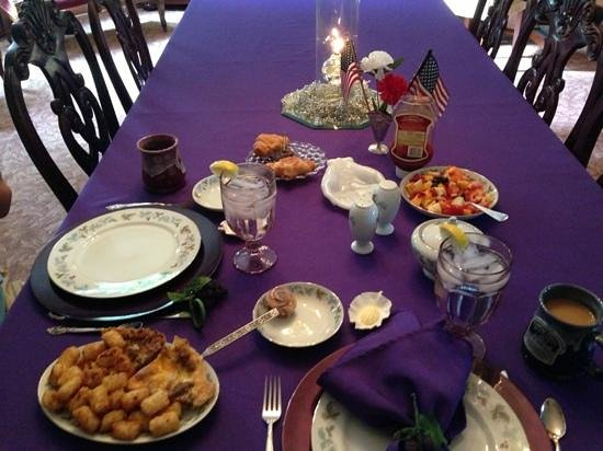 Victorian House Bed and Breakfast: Breakfast