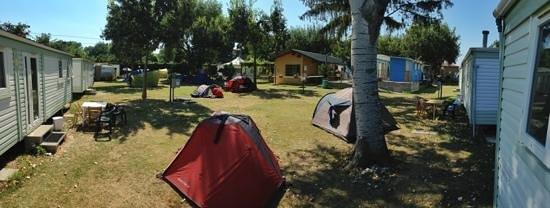 Camping San Nicolo : lato est, visto da una mobilehome