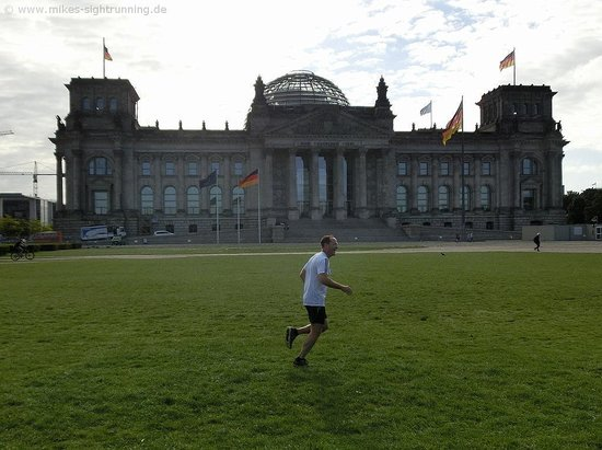 Mike's SightRunning Berlin : Awesome Reichstag pic