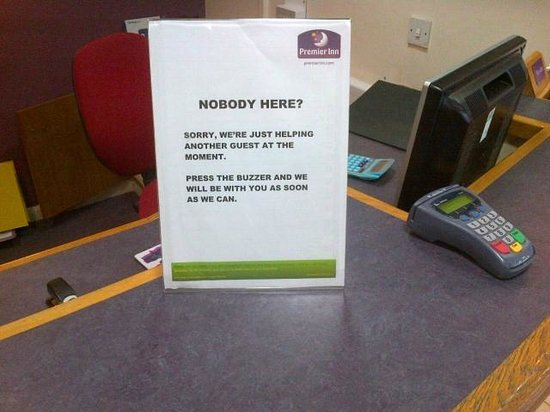 Premier Inn Horsham Hotel: Invisible Reception