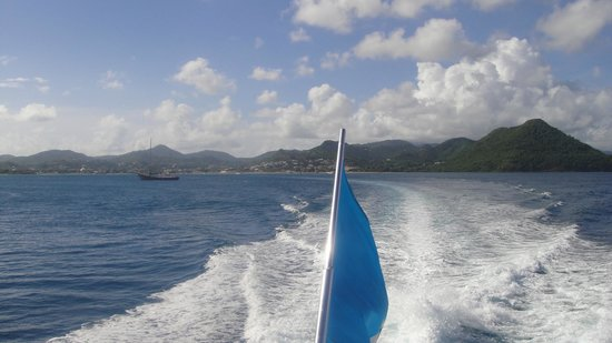 St. Lucian Wave Riders : Leaving Rodney Bay