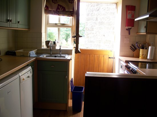 Eastgate Cottages : kitchen in Rowntree cottage