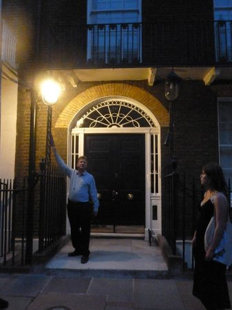 London Discovery Tours With Richard Jones: Richard Jones leading one of his excellent walks