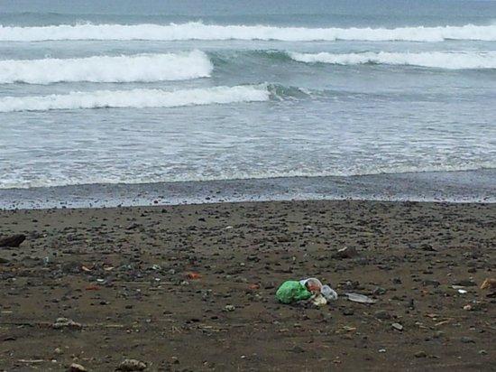 Beach Break Resort: Dirty Beach
