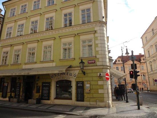 Hotel u Schnellu: o hotel