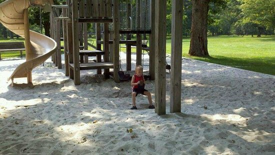 Laurel Hill State Park: Playground