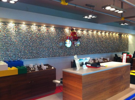 Hotel Legoland: Reception