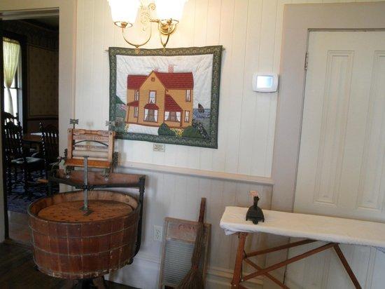 Hughes Historic House: Inside the Hughes House!