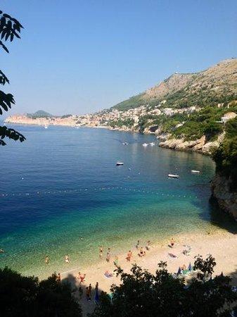 Sveti Jakov Beach: Sveti Jakov ripresa dalla scalinata che porta alla spiaggia