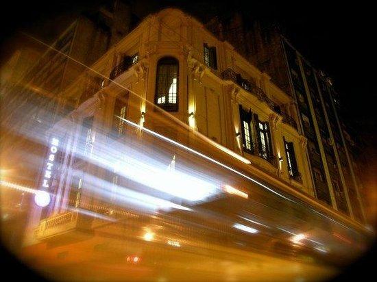 Urban 011: Es un edificio histórico del año 1900, de 3 pisos totalmente reciclado en su interior, conservan