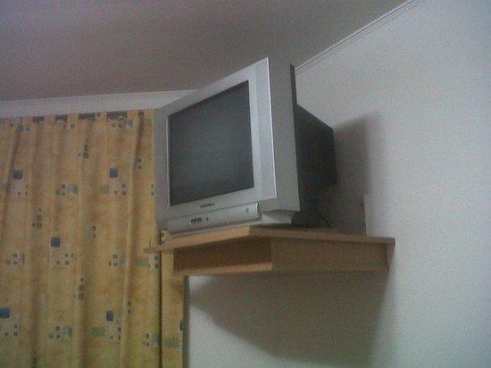 """Hosteria Amparo: El antiguo televisor de 20"""""""