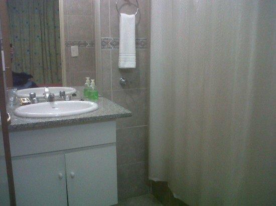 Hosteria Amparo : El baño de la habitación N°9