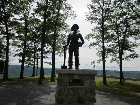 Renovo, Pensilvania: Civilian Conservation Corps Statue