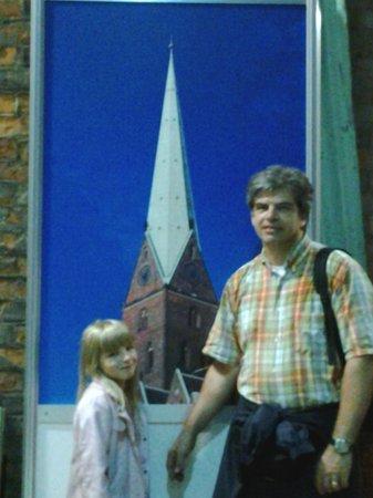St. Petri Kirche: l'arrivo della scalata della torre  è agli oblò in alto