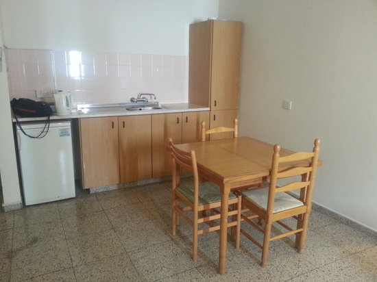 Christabelle Hotel Apartments : The kitchen/dining.