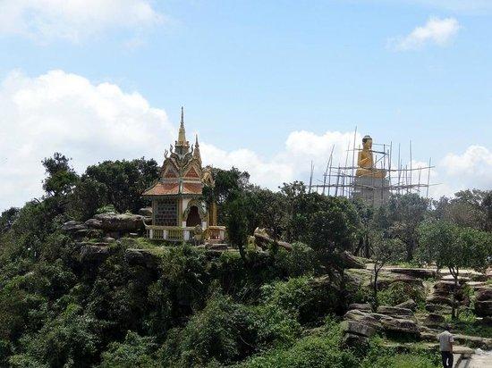 Bokor National Park : un temple au somment