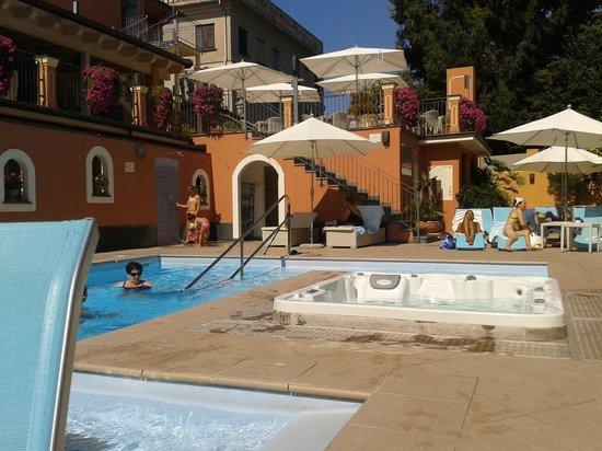 Hotel Monte Rosa : Piscina super rilassante!