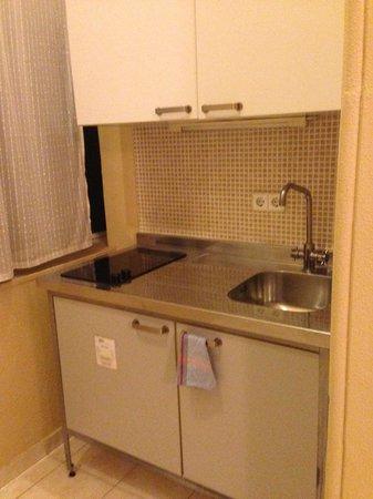 بي سي إن فاشون هاوس: Cozinha quarto Studio