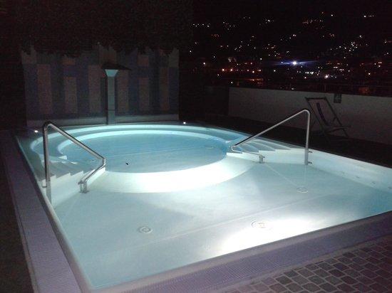 Grand Hotel Spiaggia: la piscina idromassaggio di notte