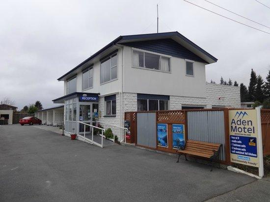 Aden Motel: Frontage