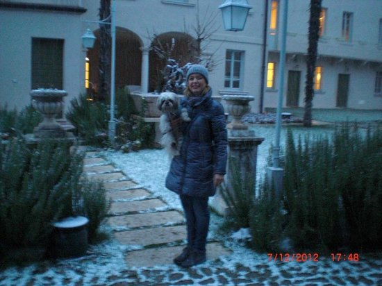 Hotel Palazzo Novello: in giardino...cominciava a nevicare