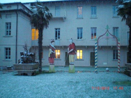 Hotel Palazzo Novello: foto dell' hotel dal giardino