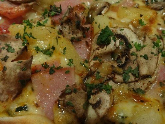 La Toscana : Main course: Fiordlander Pizza