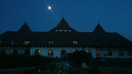 Hortobagy Club Hotel: viewof the hotel