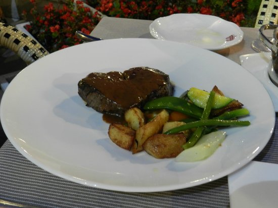 Carlton Restaurant: The finished product!! (Beef)