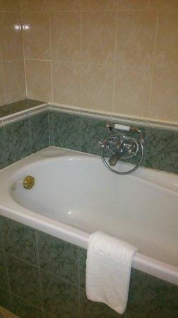 Hortobagy Club Hotel: bathroom