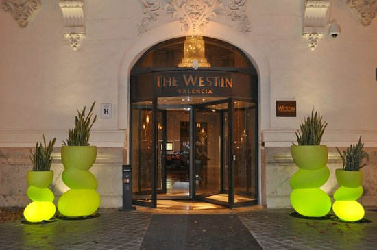 The Westin Valencia: Façade