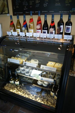 Upper Bench Estate Winery: Lots of medal winners!
