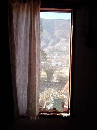 La Calabaza : La ventana mágica... encuadra la belleza de Tilcara